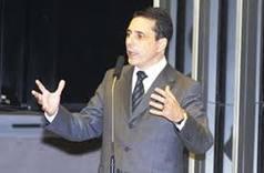 Sérgio Carneiro é filho do ex-senador João Durval Carneiro.