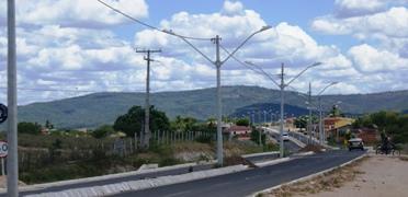 A avenida liga o centro a comunidade de Santa Rosa