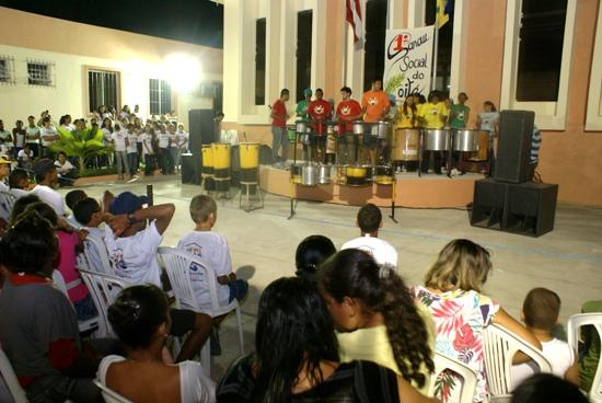 Primeiro Sarau reuniu centenas de pessoas ; foto: Raimundo Mascarenhas