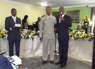 Cidade natal do capitão fez homenagem com uma placa de honra ao mérito pela sua conquista na área militar.