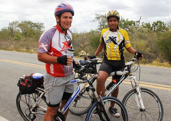 Pai e filho pedalam de São Paulo até ValenteII - foto- Raimundo Mascarenhas