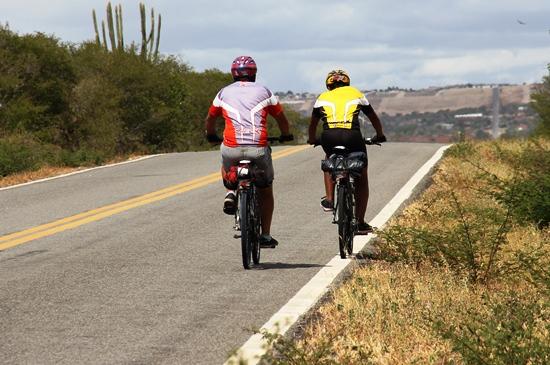 Pai e filho pedalam de São Paulo até ValenteIII - foto- Raimundo Mascarenhas