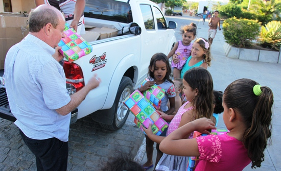 Resedá entrega de presentes -São Roque