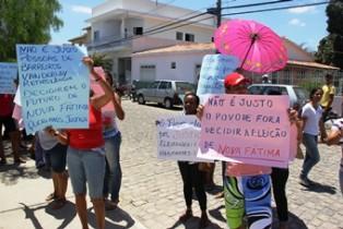 protesto contra Amado Cunha