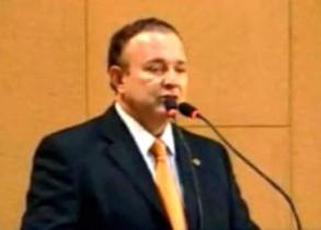 Adolfo-Menezes-