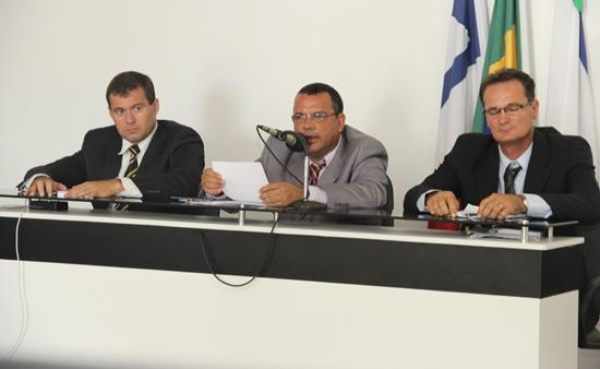 Abertura dos trabalhos legislativos em Riachão do Jacuípe.mesa diretora