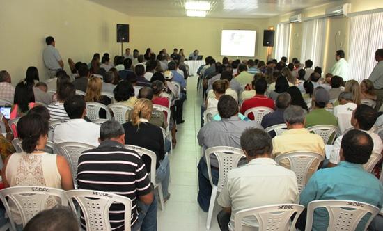 Reunião de secretarios na Sec de Educação de Tucano