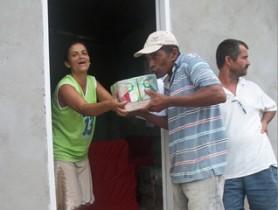 ENTREGA DO LEITE E SUCO DE CAIXA