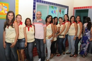 Professor Luiz Antônio e toda equipe de trabalho da creche