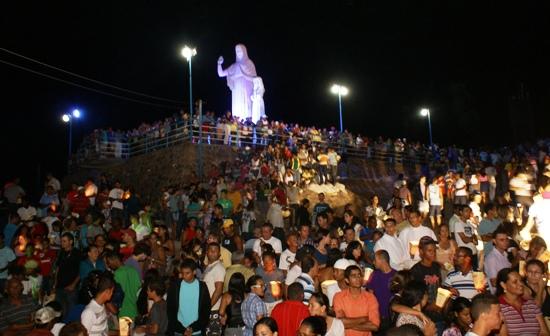 Colina de Santana recebe milhares de fiéis - Foto; arquivo Raimundo Mascarenhas