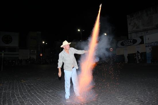queima de judas - foto- raimundo mascarenhas-fogueteiro
