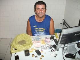 Lando foi preso com armas e drogas em abril de 2013.