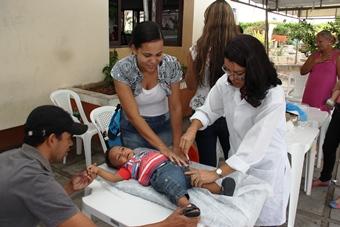 No ano passado o garotinho Pedro Gabriel tinha 10 meses, agora um ano mais velho deve voltar para tomar nova dose.