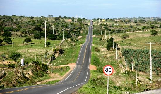 Ba 120 trecho saída Retiro - Coité - foto- Raimundo Mascarenhas