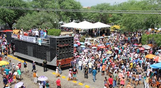 Dia do Trabalho em Riachão do Jacuípe - publico-3 - foto- Raimundo Mascarenhas