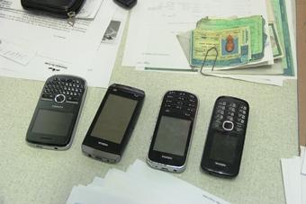celulares encontrados com assaltante do posto vila rica