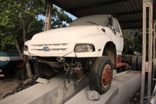 Veículo estava nesta rampa ha três anos saiu pelo valor de R$ 8 mil