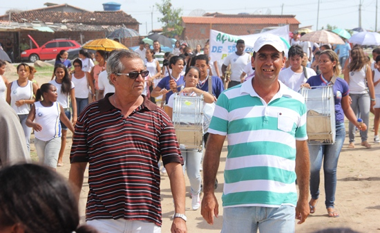 Domingos Nafitel e Flávio em passeata