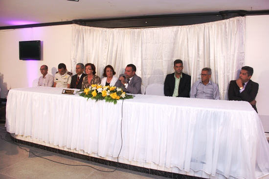 titulos de cidadão jacuipense 2013 - mesa - foto- Raimundo Mascarenhas