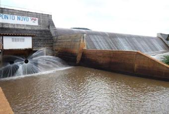 barragem de ponto novo transboda