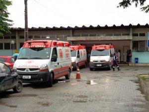 Vítimas deram entrada no Hospital Geral Clériston Andrade em Feira de Santana - foto: Paulo José