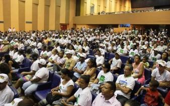 Milhares de agricultores foram convidados à participar do ato.