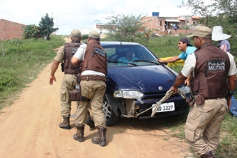 carro furtado em santaluz - abandonado em coité