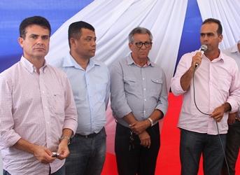 inauguração do centro de comercialização de animais de São de São Domingos.4