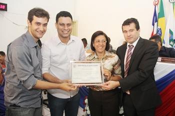 Felipe Carneiro, Darino Sena, prefeita Tânia e vereador Juninho autor da indicação.