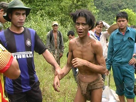Ho Van Lang foi levado para a floresta quando tinha apenas dois anos