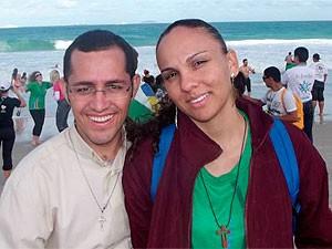 Casal resolveu assumir romance após gravidez (Foto: Emília Carneiro/ Arquivo Pessoal)
