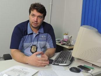 Delegado Geraldo da Costa vai enviar ofício para a polícia da Bahia (Foto: Alexandre Morais / G1)