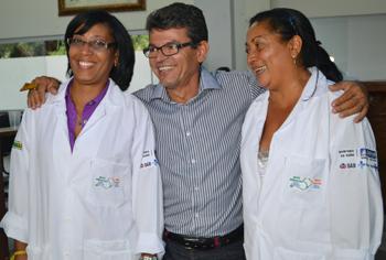 Secretário de Saude Batista Santiago apresenta as novas profissionais de saúde
