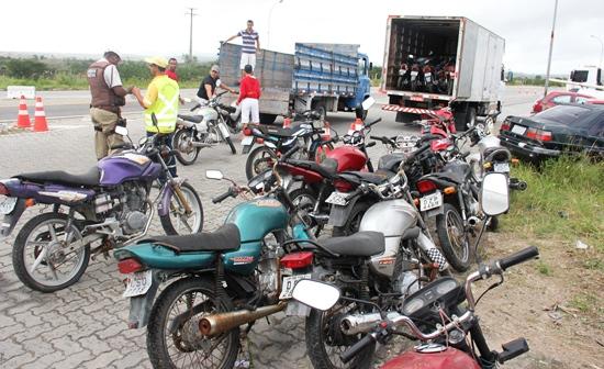 motos encaminhas do PRE para Detran de Feira.2