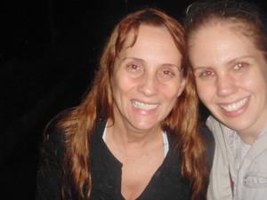 A atriz Nicole Puzzi publicou foto com sua filha, Dominique Brand, após resgate dos animais (Foto: Reprodução/Facebook)