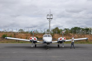 Avião pousado no aeroporto de Itaberaba