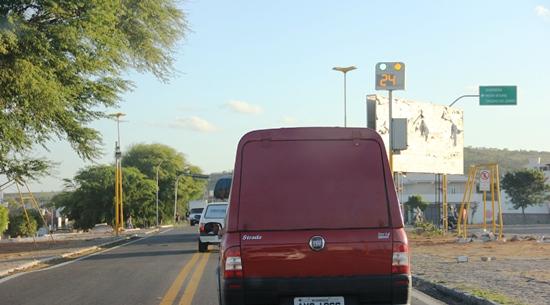 Em Araci pontos de radar disciplina o trânsito