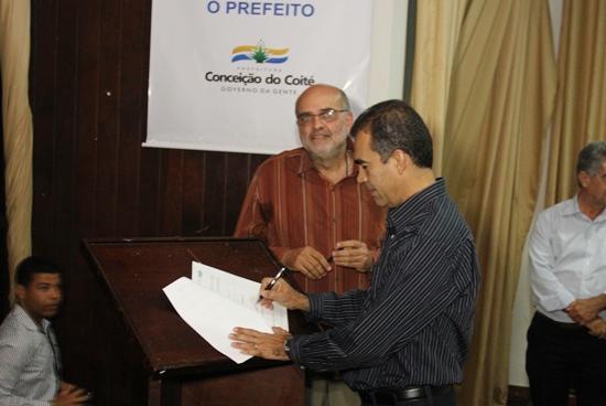 Prefeito Assis e Pola Ribeiro diretor do IDERB
