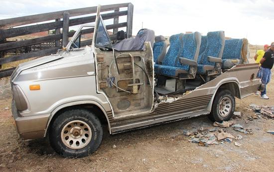furgão do acidente na BA 414