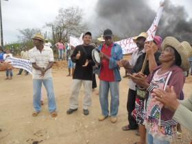 manifestação contra yamana-3