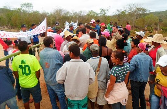 manifestação contra yamana