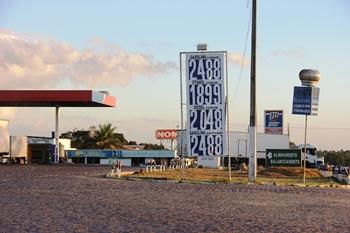 Gasolina Comum, R$   2,488 - Gasolina aditivada R$ 2,488 - Etanol comum R$ 1,899 - Diesel R$ 2,048