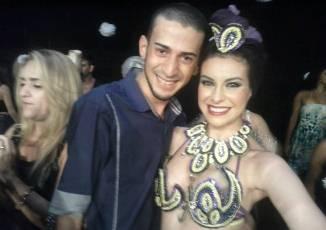 Lucas ao lado da libanesa Esmeralda no Congess Baladi  realizado no mês de outubro em Salvador