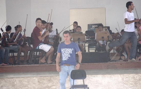 Luciano Huck vista Santo Antônio de Música - foto- Raimundo Mascarenhas-CN-7
