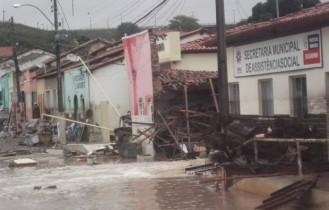 Temporal em Lajedinho deixa 11 mortos  Foto: Correio da Chapada