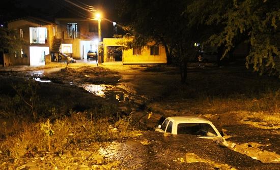 chuvas de sábado 14-12 em Coité 1 - foto- Raimundo Mascarenhas