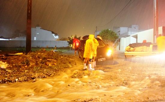 chuvas de sábado 14-12 em Coité 7 - foto- Raimundo Mascarenhas