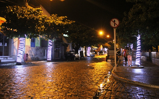 Rua que liga centro a Praça da Seresta em Valente