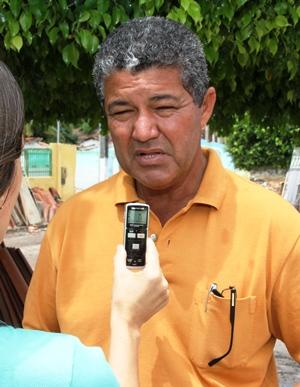 Prefeito diz que já estava difícil administrar com a quinta menor receita entre os muncipíos da Bahia girando em torno de R$ 500 mil/mês sendo que quase 60% é para folha.