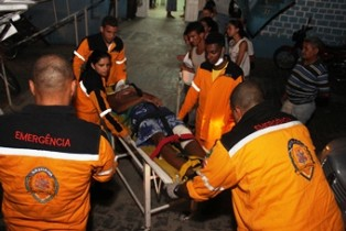 Marcus Vinicius ferimento no joelho esquerdo